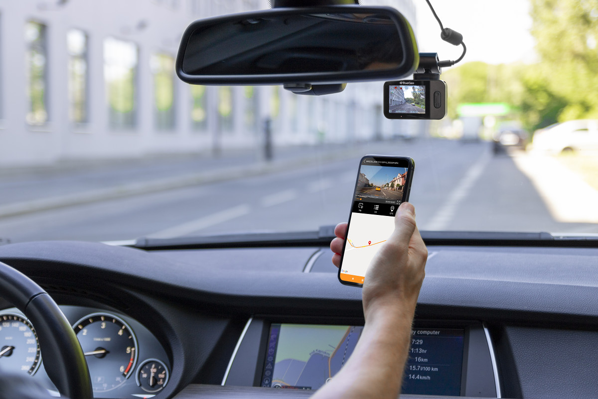Convenient controls from your smartphone