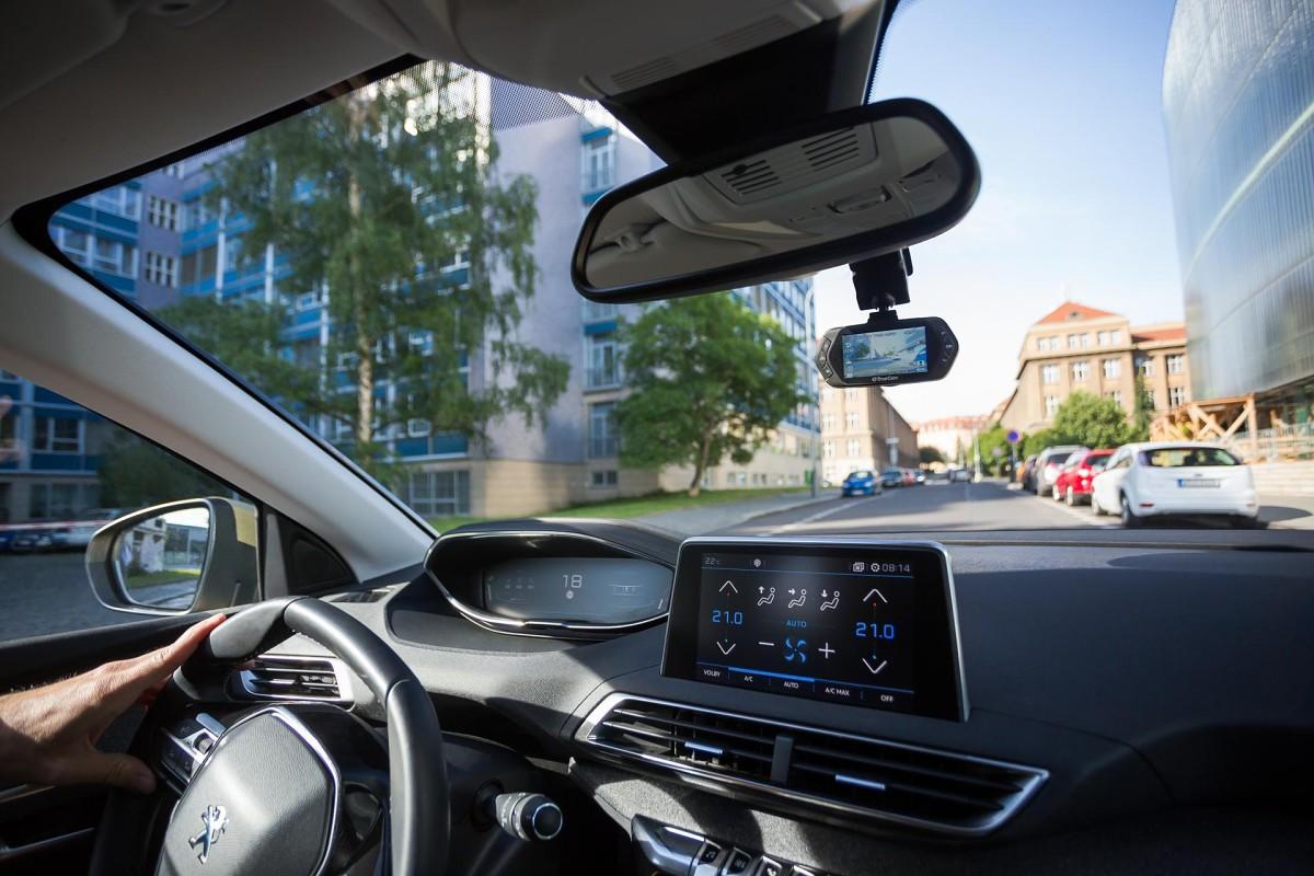 TrueCam A5s – Hlídá vaše auto i radary