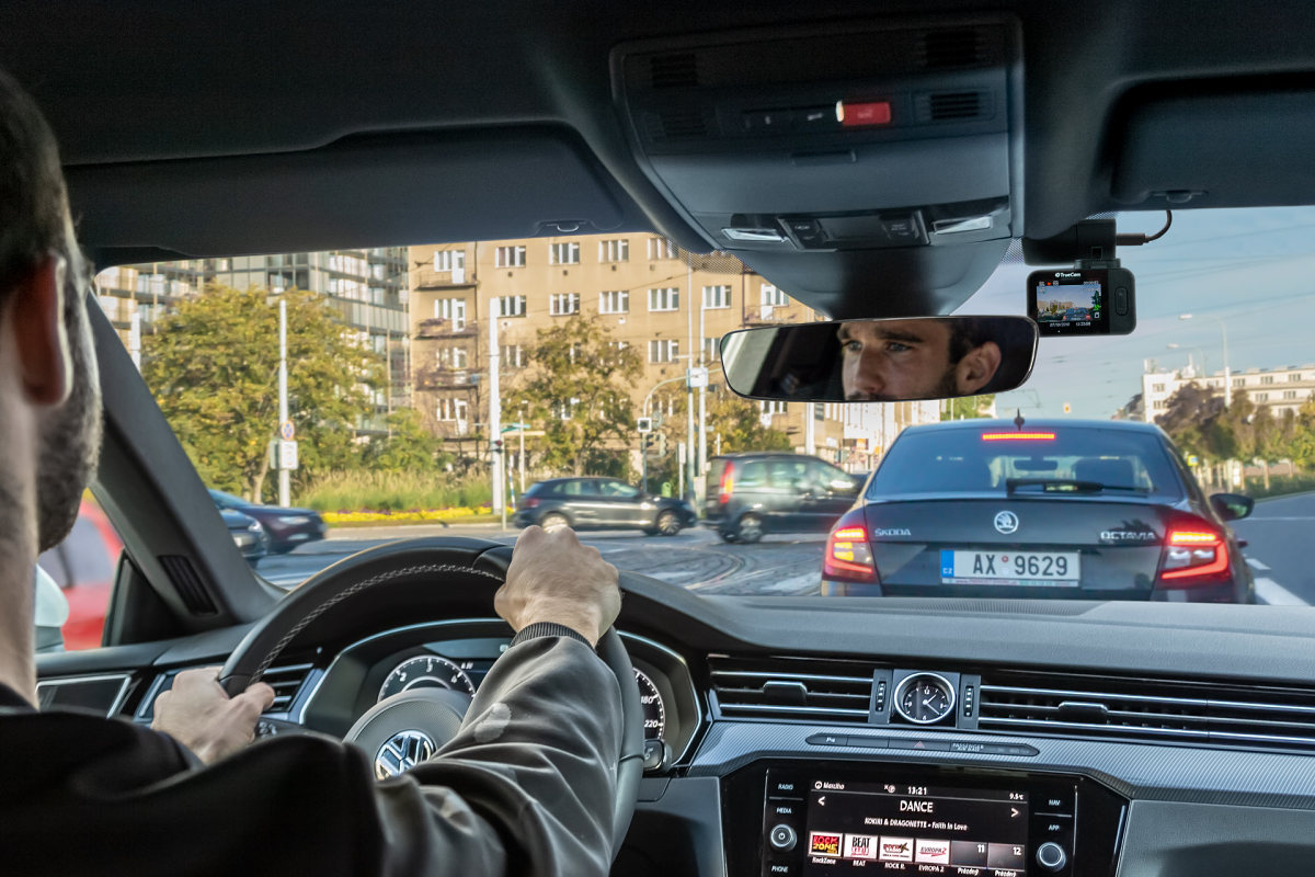 TrueCam M7 GPS Dual - Má oči vpředu i vzadu